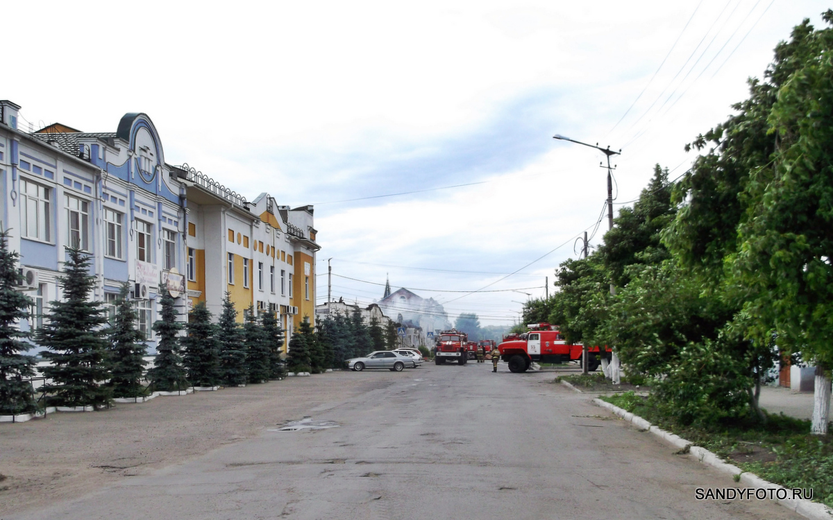 Последствия пожара в магазине Эльдорадо в Троицке