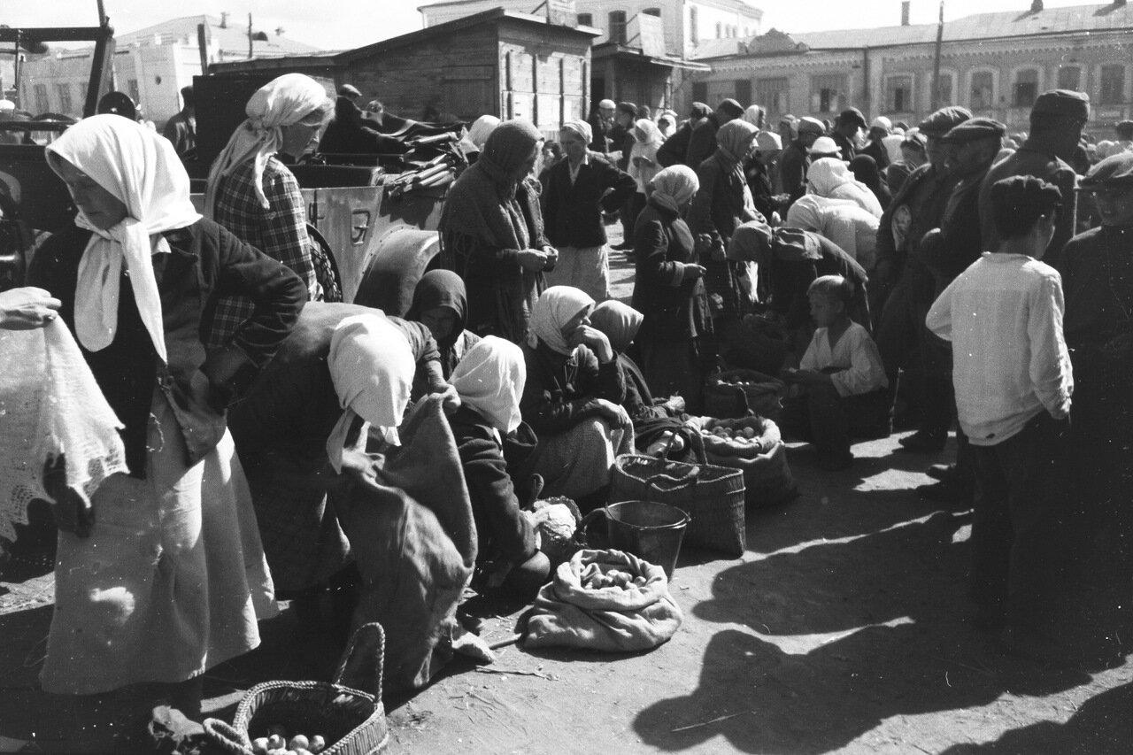 Алексеевка. Рынок на Базарной площади.