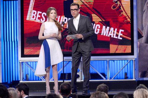 SANTA MONICA, CA - MARCH 01: Actors Anna Kendrick and Fred Armisen speak onstage during the 2014 Film Independent Spirit Awards at Santa Monica Beach on March 1, 2014 in Santa Monica, California. (Photo by Kevork Djansezian/Getty Images)