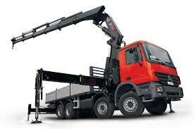 Манипулятор сохраняет достоинства, как грузового авто, так и погрузчика