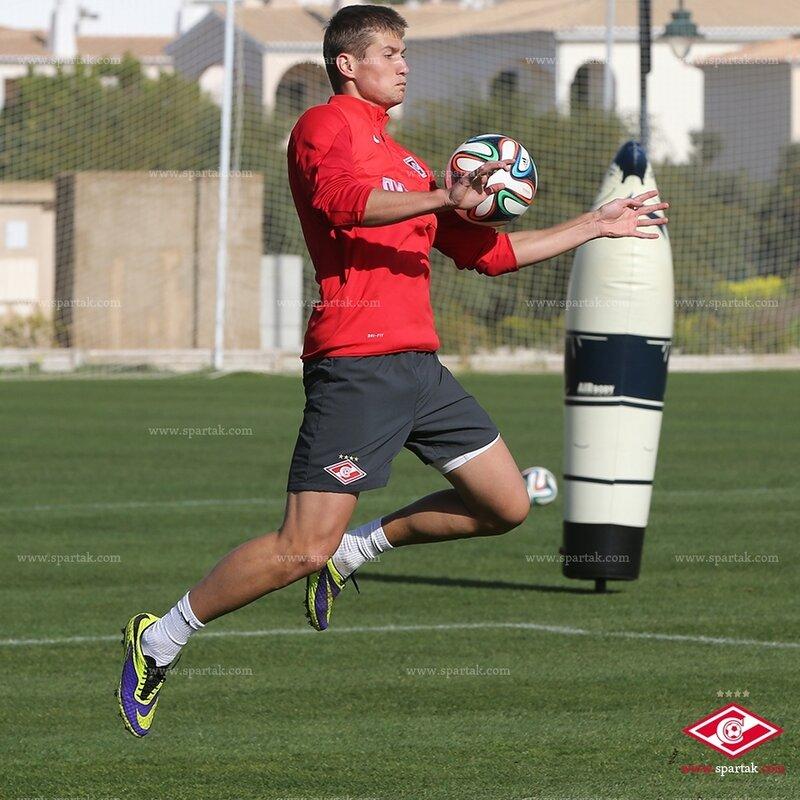 «Спартак» провел две тренировки в Португалии (Фото)