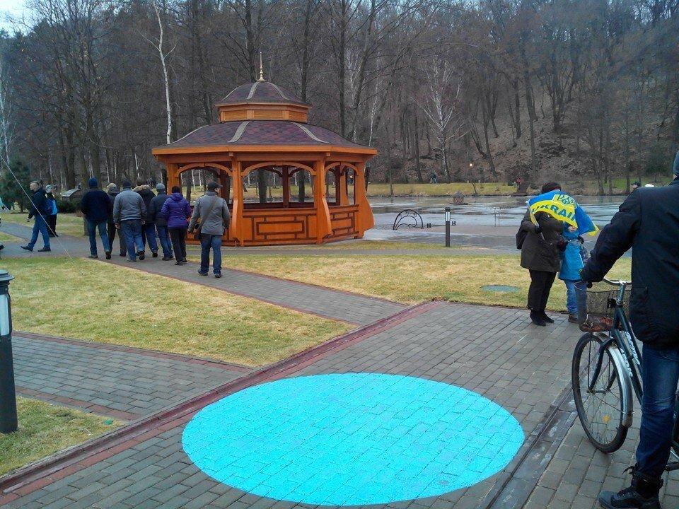Фото захваченной резиденции Януковича - Межигорья