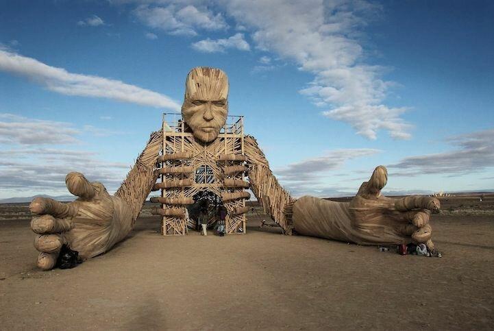 """Невероятные скульптуры """"огненного"""" фестиваля AfrikaBurn 2013 (24 фото)"""