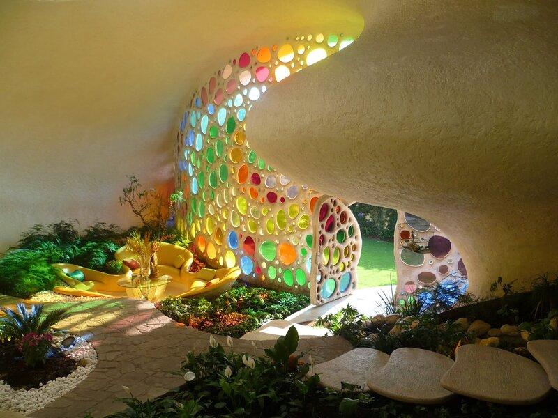 Удивительный дом - здание в гармонии с природой