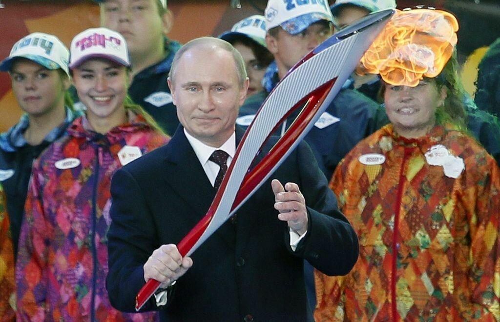 RUSSIA OLYMPIC FLAME SOCHI 2014
