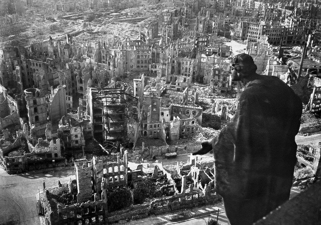 Картинки по запросу Дрезден после бомбёжки