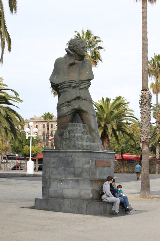 Barcelona. The promenade Moll de la Fusta. Barcelona. Joan Salvat-Papasseit monument