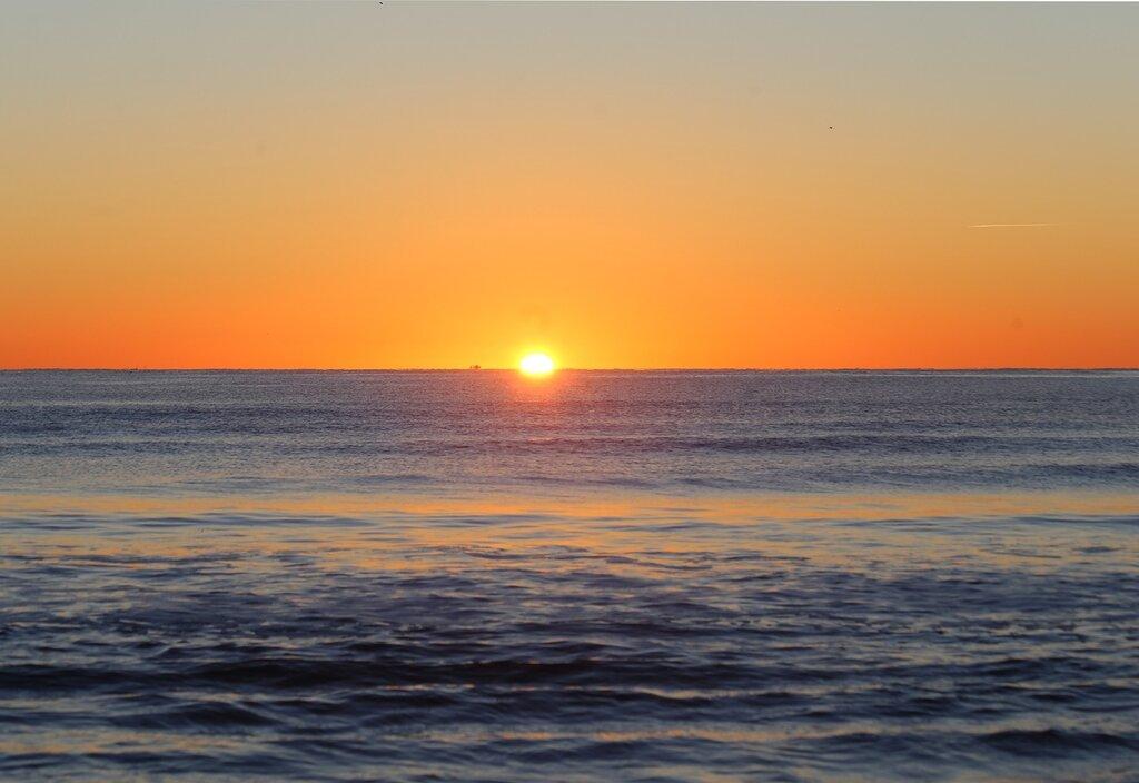 Восход солнца. Пеньискола. Северный пляж. Playa Norte. Peniscola. Sunrise