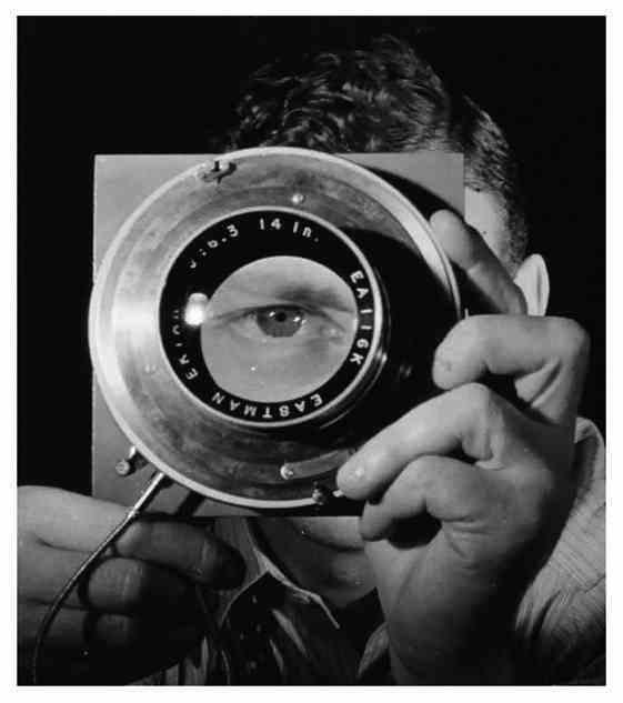 Мастера фотографии в автопортретах. Self portrait photographb50y. 30 кадров