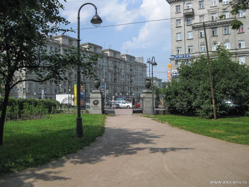 Московский парк Победы. Северо-западный вход в парк и Московский проспект.