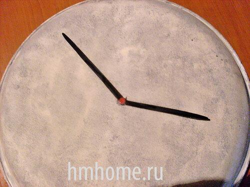 Часы из старой сковороды