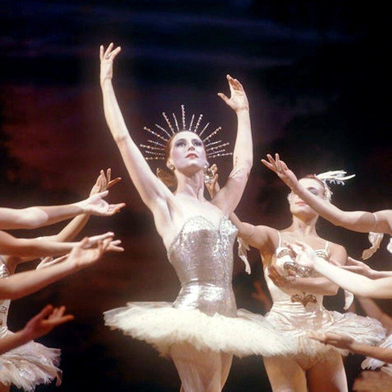 Балет Цезаря Пуни «Конек-Горбунок» в постановке Артура Сен-Леона. Девица — Майя Плисецкая, 1972 год.jpg