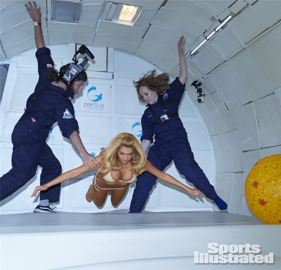 Кейт Аптон в невесомости в купальниках Sports Illustrated Swimsuit 2014 - Kate Upton by James Macari - Zero Gravity in Cape Canaveral