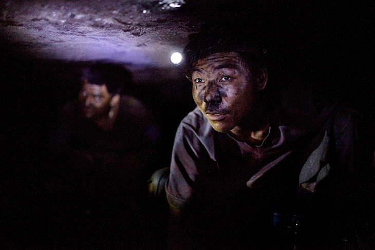 Самая опасная работа: добыча угля (28 фото)