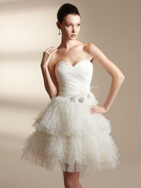 Красивое короткое свадебное плаье