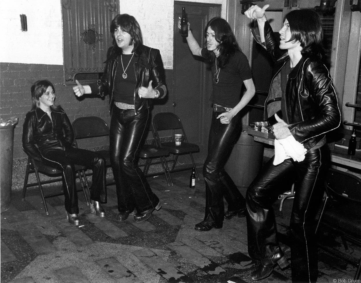 1975. «Suzi Quatro Band»