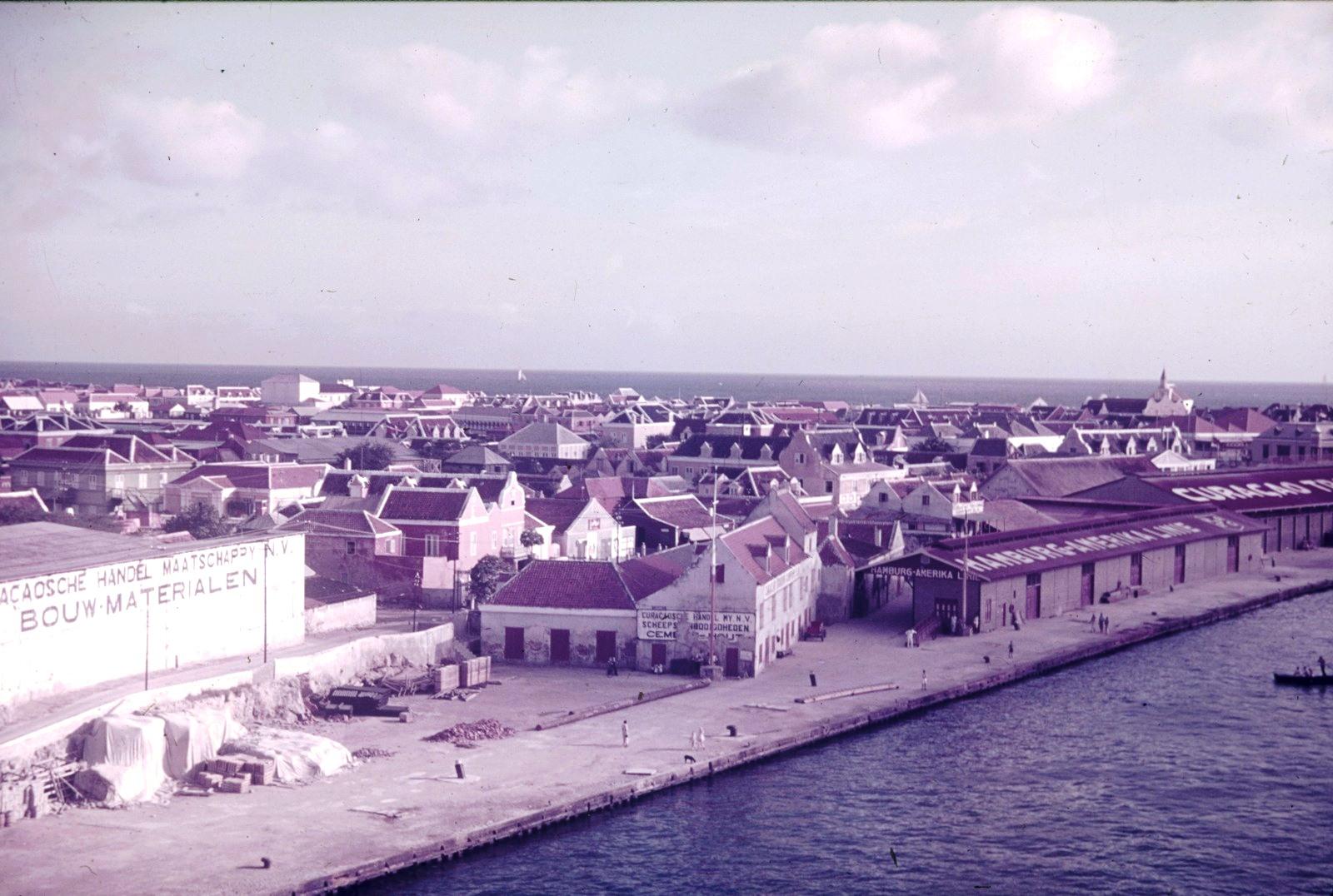Кюрасао. Виллемстад в заливе Св. Анны