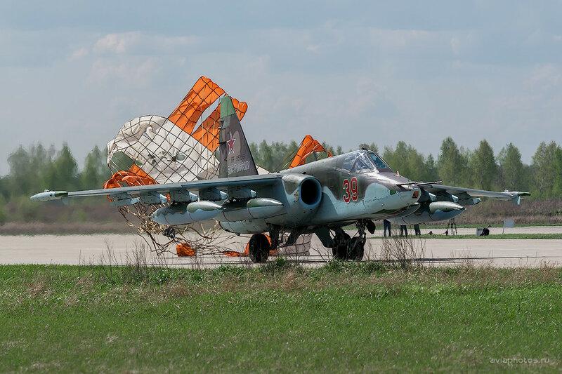 Сухой Су-25БМ (RF-95156 / 39 красный) ВКС России D803199