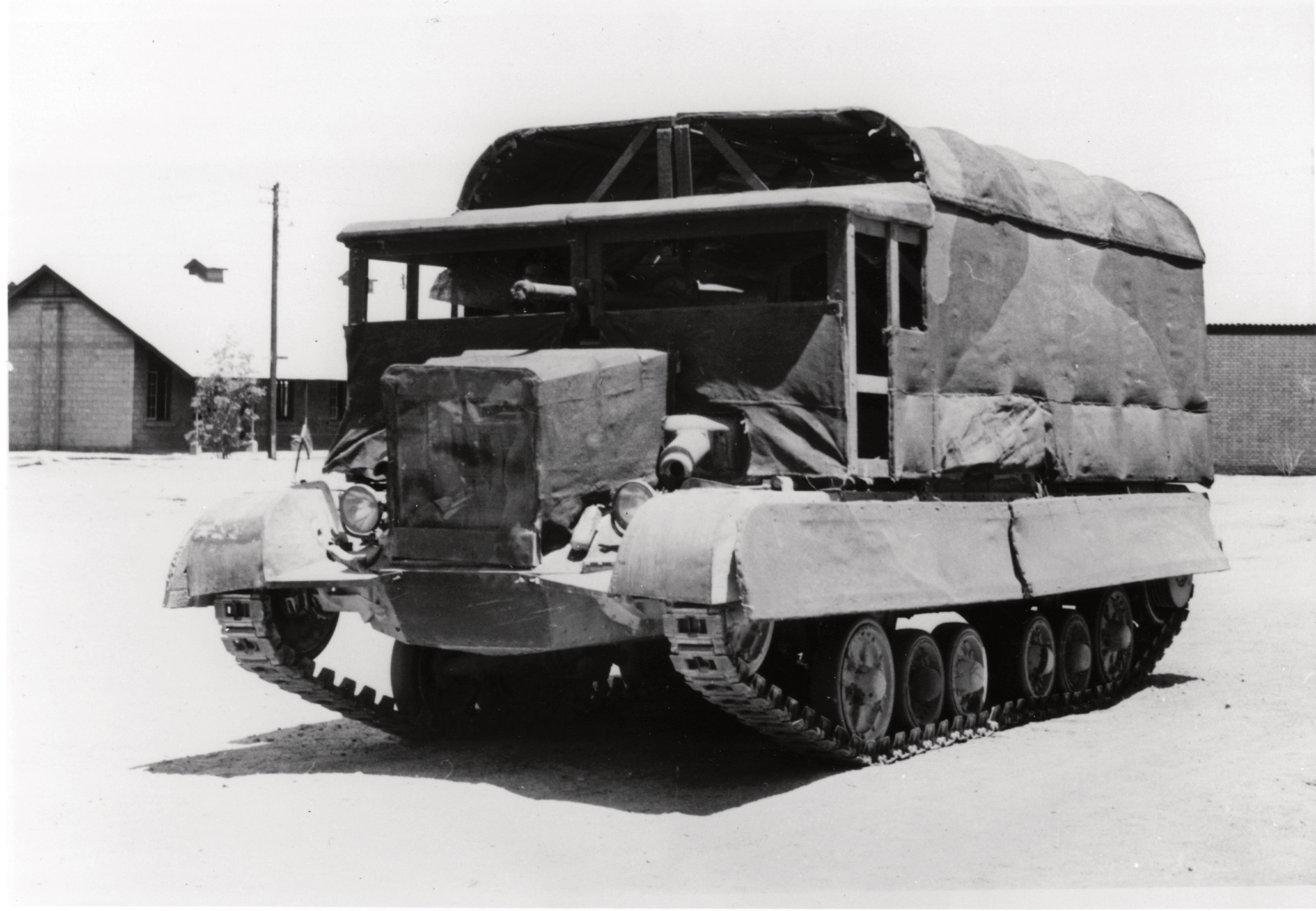 tank-camouflage-ancien-01.jpg