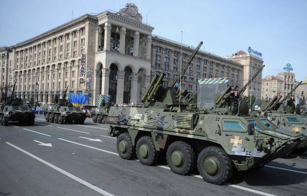 """""""Мы - армия! Мы - семья"""": Киборг Маршал резко ответил критикам военного парада в Киеве"""