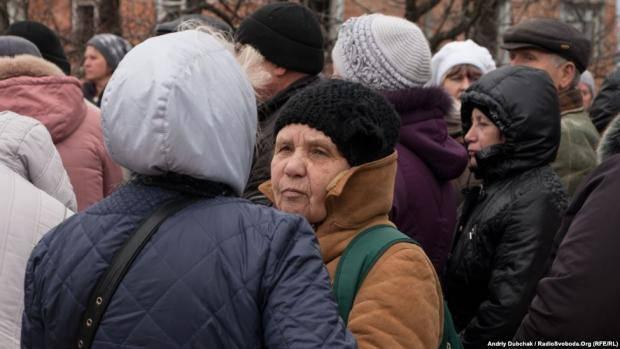 """Реалии """"ЛНР"""": """"У нас здесь пьют все. Огород, как и улица - для стариков, охраняющих свои нехитрые д"""