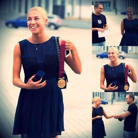 Чемпионка мира Наталья Годунко продала свою медаль, чтобы помочь армии: покупатель вернул награду спортсменке. ФОТО