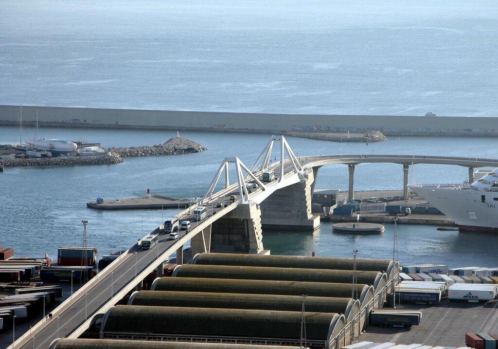 Барселона. Мост 'Ворота Европы' (Pont de la Porta d'Europa)