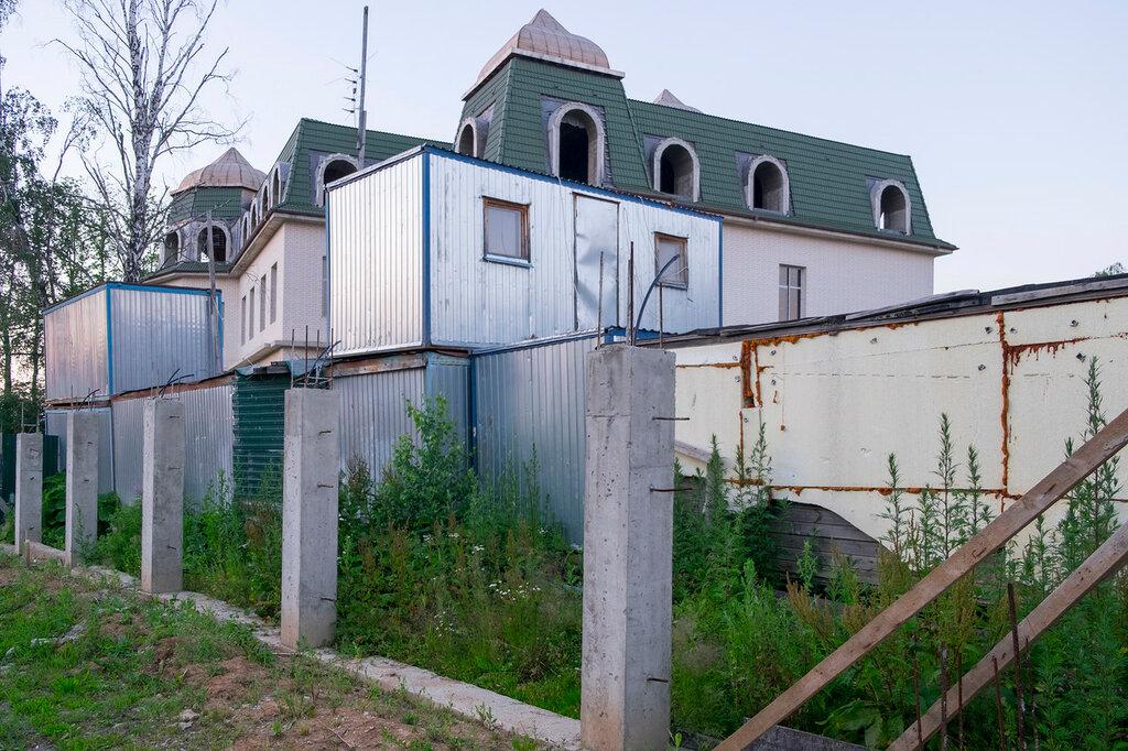 Во что превратился элитный поселок в Москве