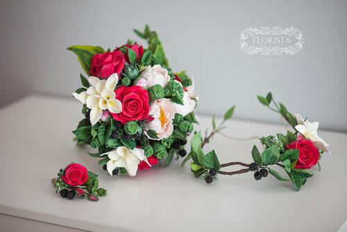 Свадебный букет с красными розами