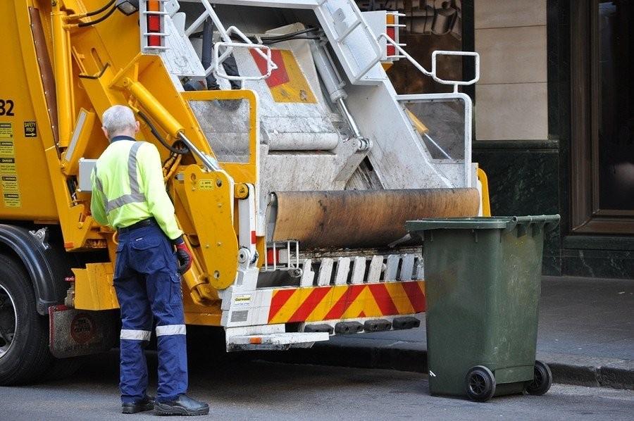 1. Мусорщик Это в нашей стране работа мусорщика непрестижна и низкооплачиваема. А вот, к примеру, в
