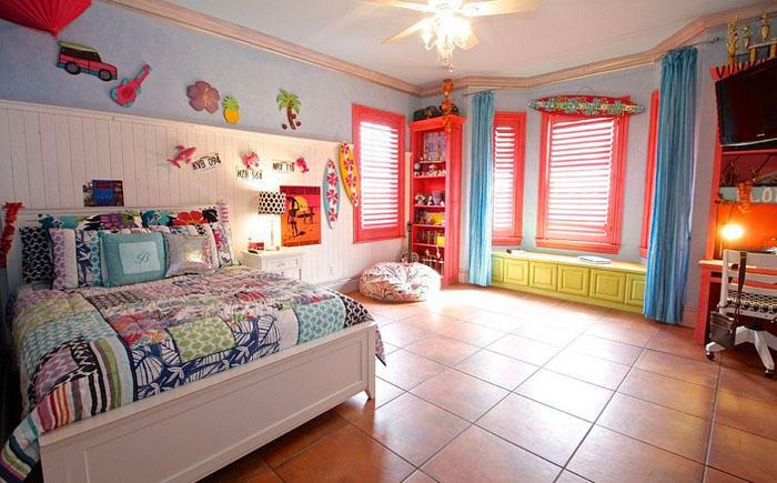11. Разноцветная спальня от McReynolds Designs