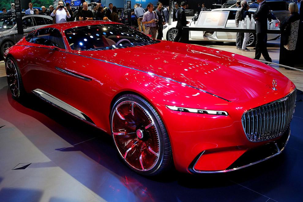 Концепткар EQ «Будущее — за электромобилями», — заявил перед Парижским салоном шеф Mercedes-Ben