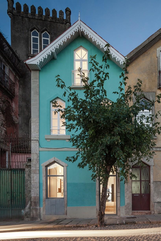 Обновленный дом 120-летней давности в Португалии