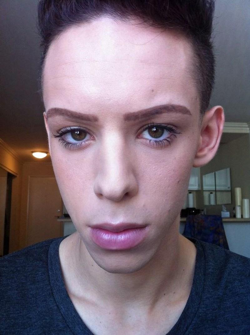 Повзрослев, Vinny стал активным участником движения ЛГБТ+, где и смог окончательно понять, что он «б