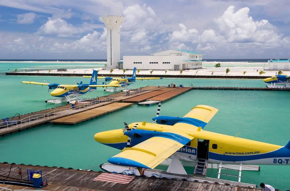Аэропорт на соседнем острове.