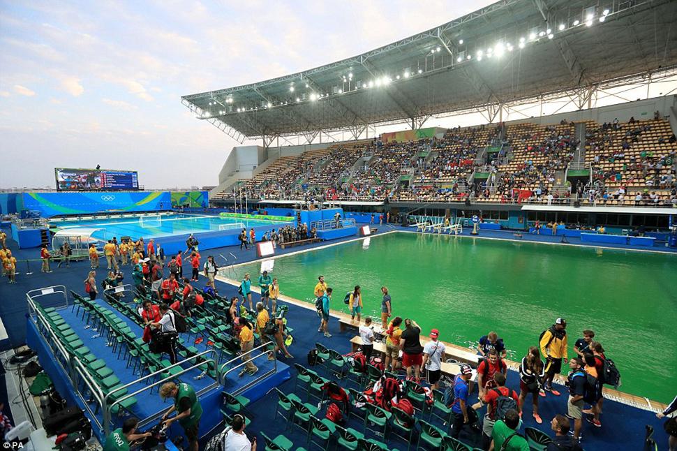 Управляющие Центром водных видов спорта имени Марии Ленк (Maria Lenk Aquatic Center) не прокомментир