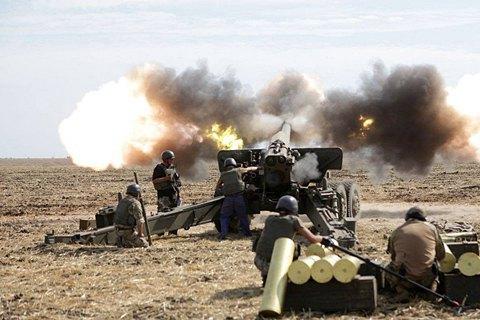 Штаб: НаДонбассе боевики стреляют из нелегального оружия вовсех направлениях
