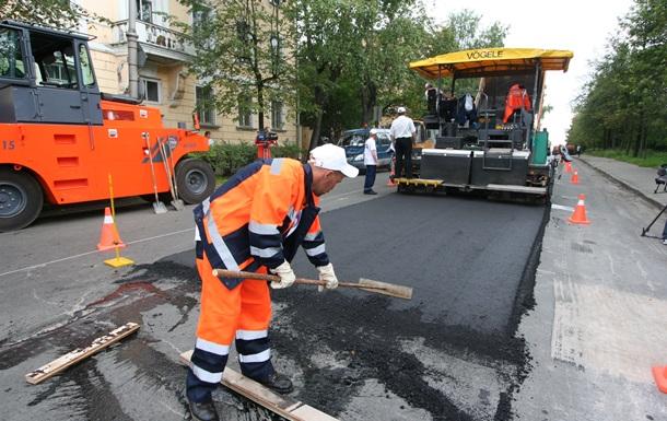 «Укравтодор» должен ликвидировать ямы еще на5,49 млн кв.м дорог