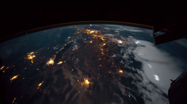 NASA Space Photos Compiled Into Time-Lapse (5 pics)