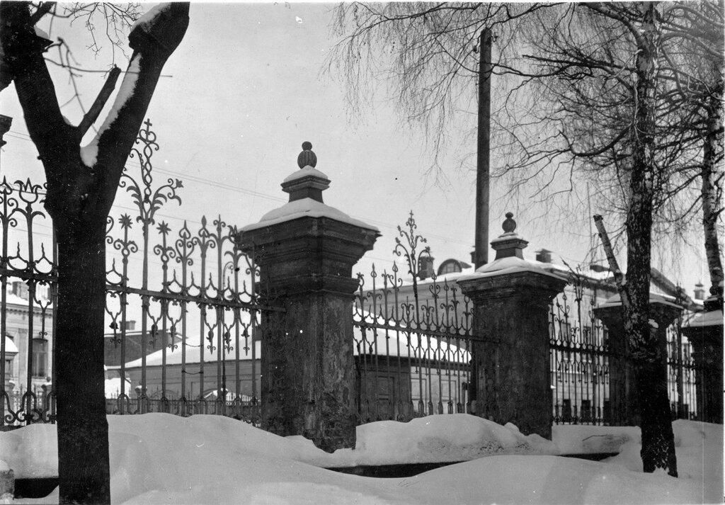 64988 Ограда церкви митрополита Алексия на Малой Алексеевской 1925-1935 ЦИГИ.jpg