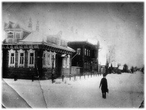 Угол Мологской и Успенской  улиц. Дом трактирщика, цыгана Дудкина