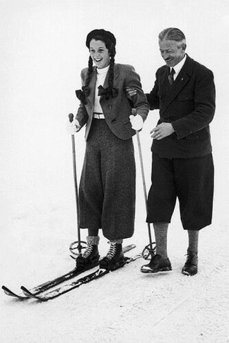 Young-princess-first-started-skiing-1937.jpg