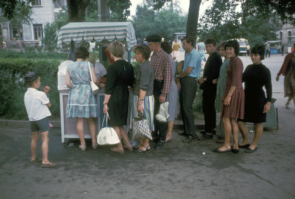Chabarovsk, ice cream stand