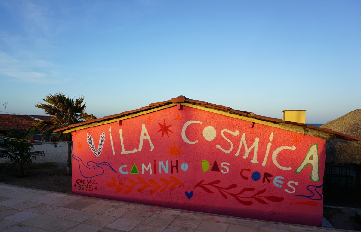 COSMIC BOYS realizam acao artistica numa vila em Fortaleza (24 pics)