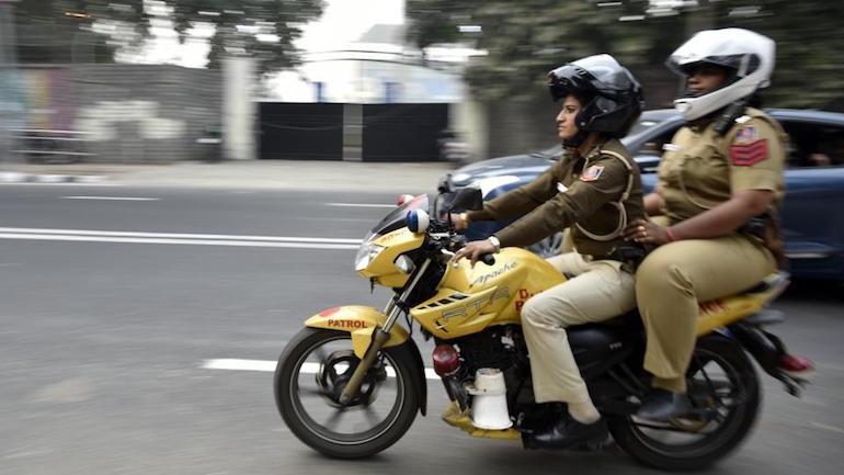 В полиции Дели сформировали женское подразделение патрульной мотополиции