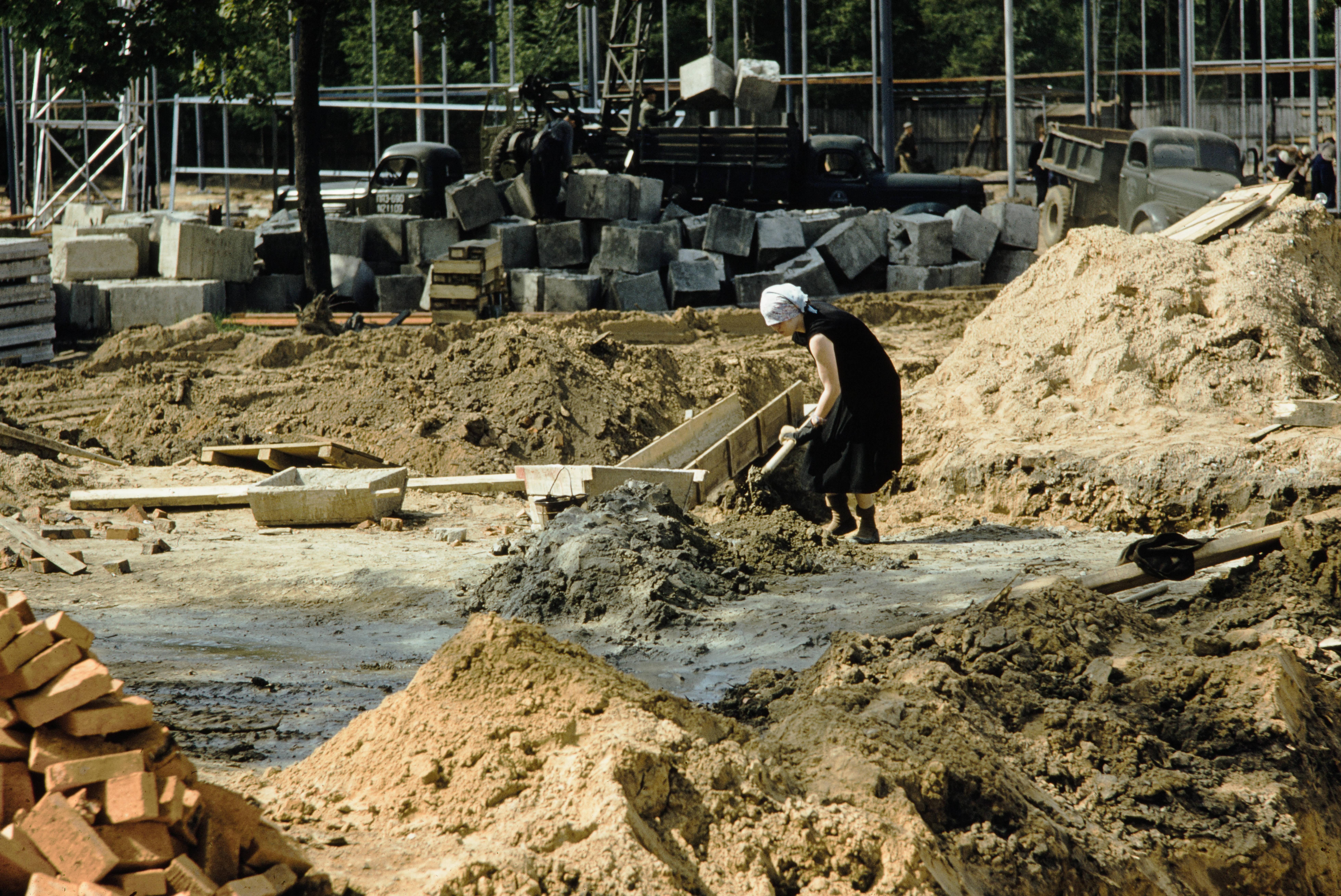 Строительство павильона Американской выставки в Сокольниках