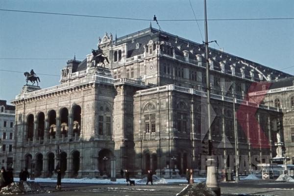 stock-photo-vienna-state-opera-austria-1940-12826.jpg