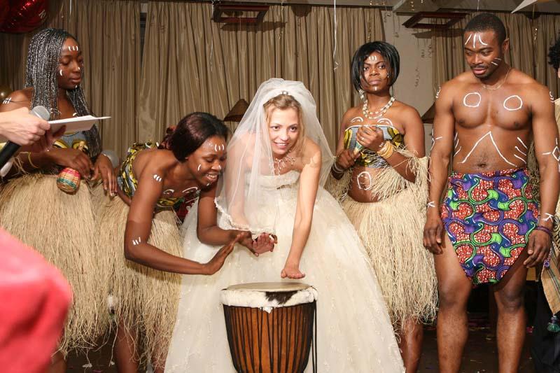 свадебные обряды и традиции у африканцев букетов, корзин цветами