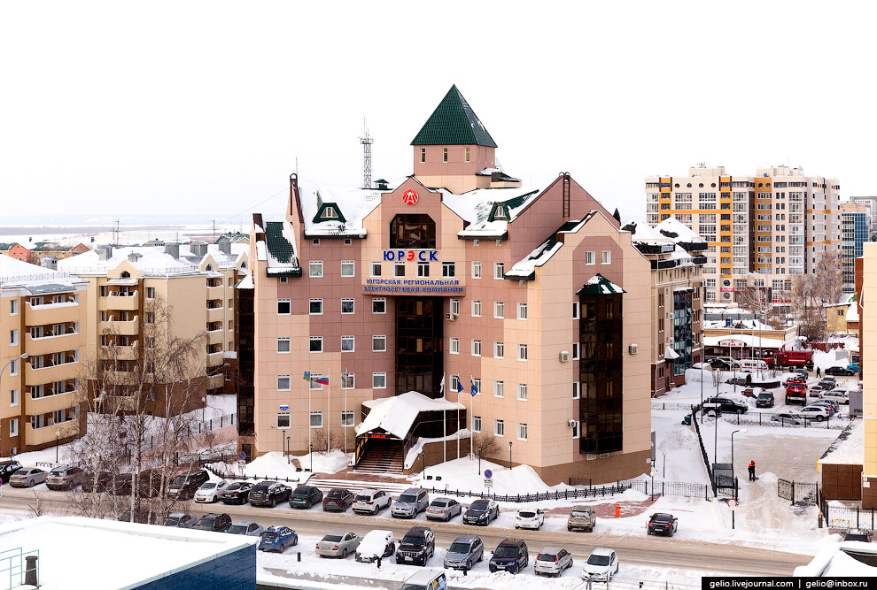 40. Ежегодно в Ханты-Мансийске строится порядка 100 тысяч квадратных метров жилья.