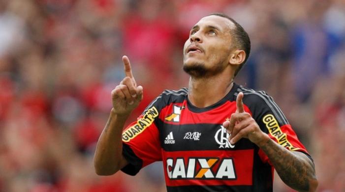 «Шахтер» решил вернуть своего полузащитника изБразилии